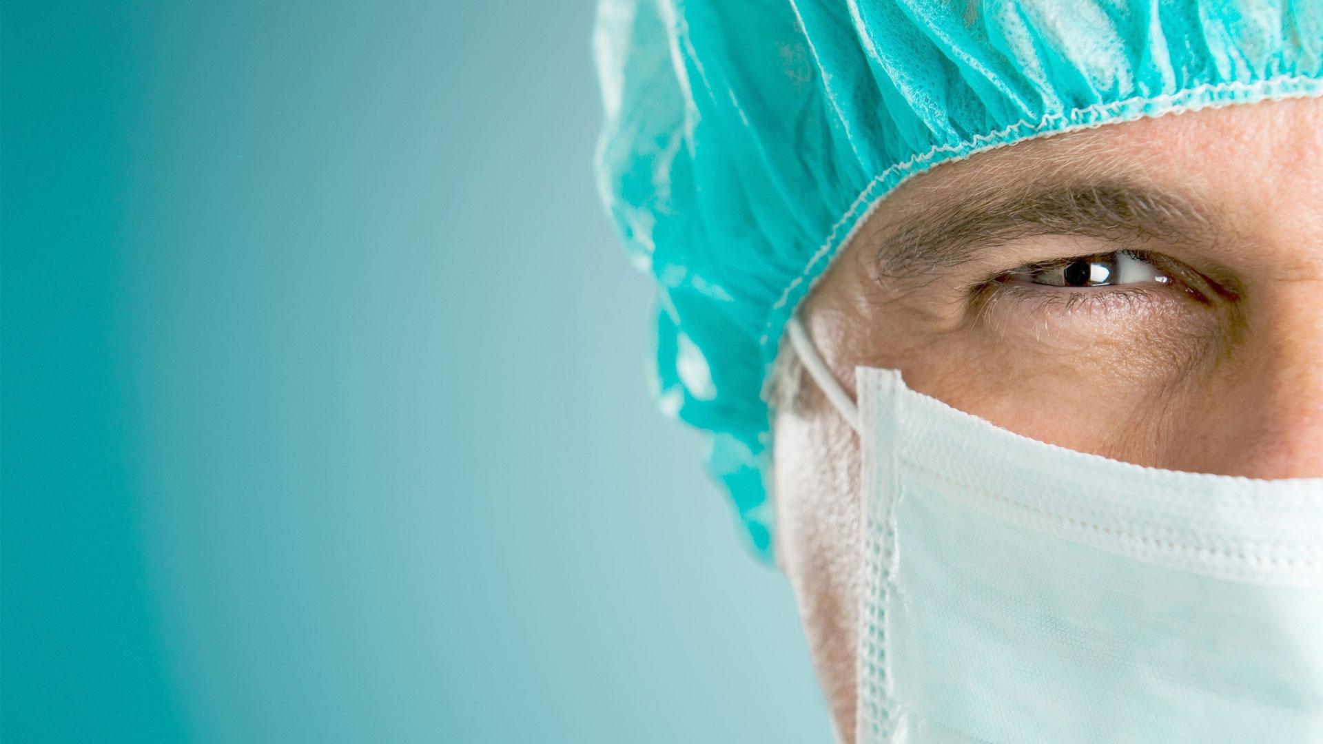 Quanto tempo leva a formação de um cirurgião plástico?