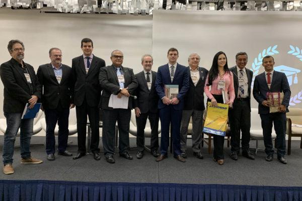 Vencedores dos melhores Trabalhos enviados ao 14º Congresso do DESC e Comissão Julgadora