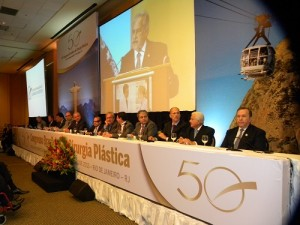 Mesa da abertura do 50° Brasileiro de Cirurgia Plástica