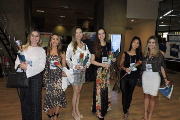 No Dia Internacional da Mulher, a SBCP homenageou as participantes do Congresso do DESC