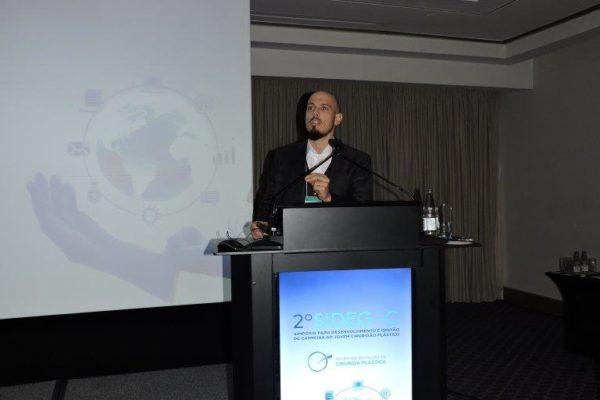 Dr. Rodrigo Duprat
